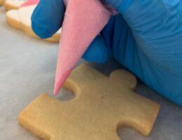 decorare i biscotti con ghiaccia reale
